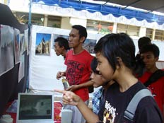 expozitie foto indonezia