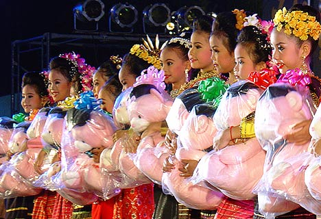 Loy Krathong Festival - children beauty contest