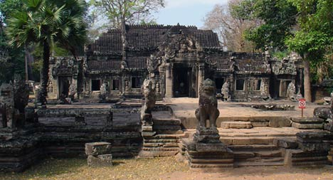 khmer temples tomb rider