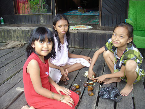 dayak girls near barabai