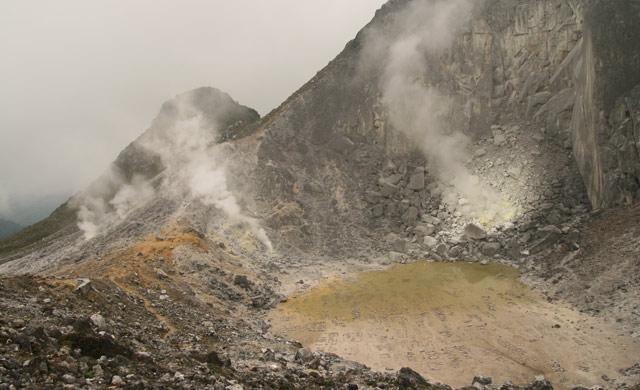Sibayak volcano crater
